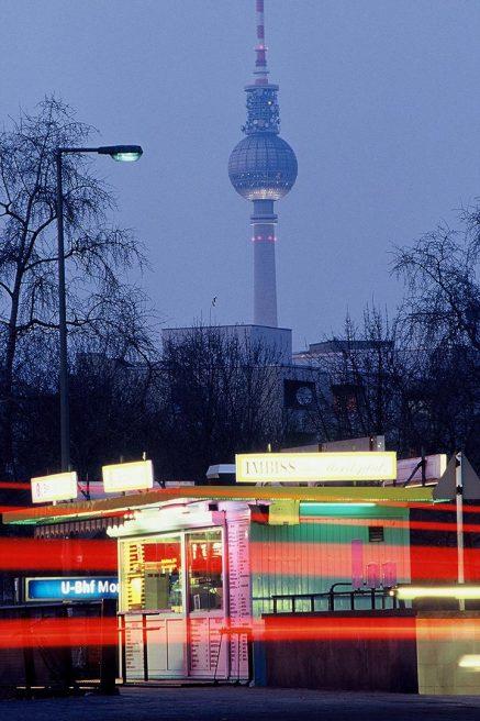 Imbiss am Moritzplatz (2002/2003) feat. Forum-Hotel (1999)